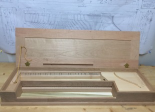 Clavichord-with-lid